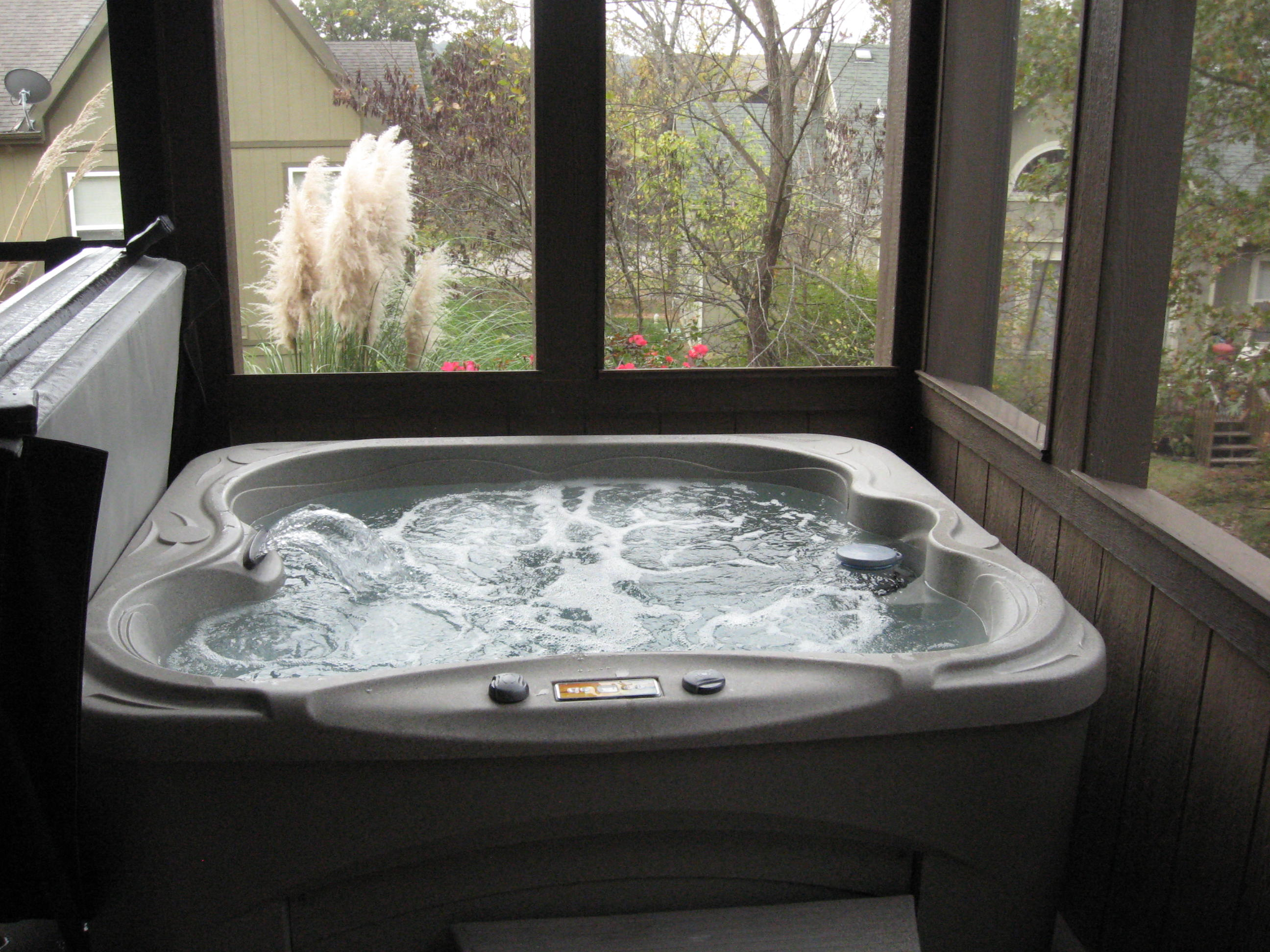 Branson Canyon Vacation Rentals GAL Hot Tub