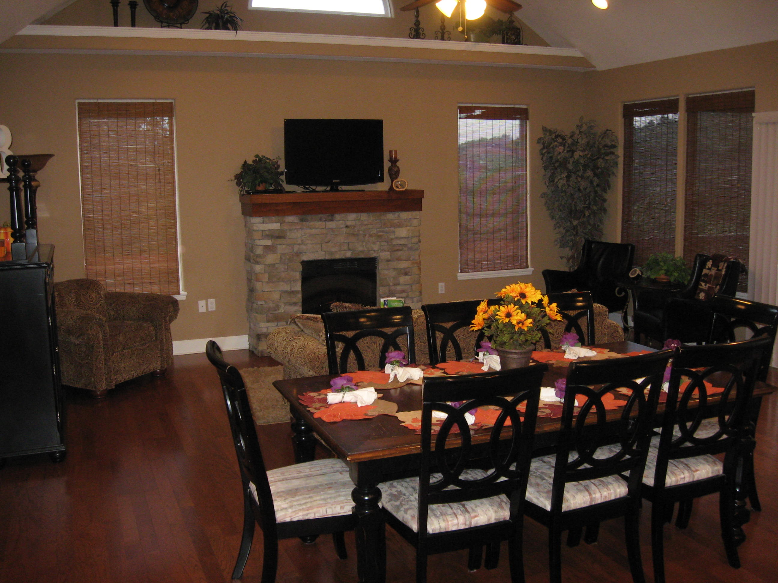 Branson Canyon Vacation Rentals Reunion Rendezvous Dining