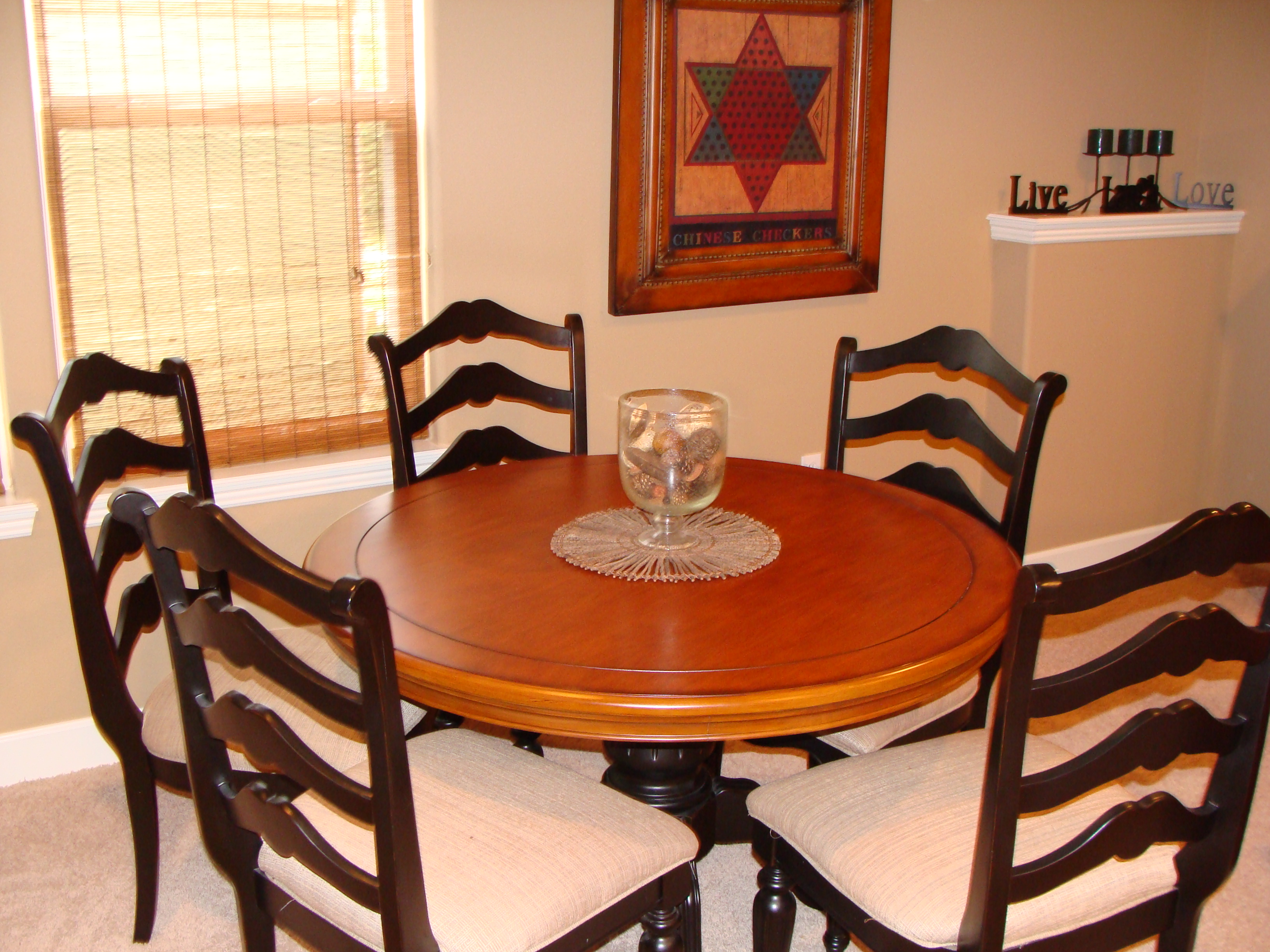 Branson Canyon Vacation Rentals Reunion Rendezvous Downstairs dining