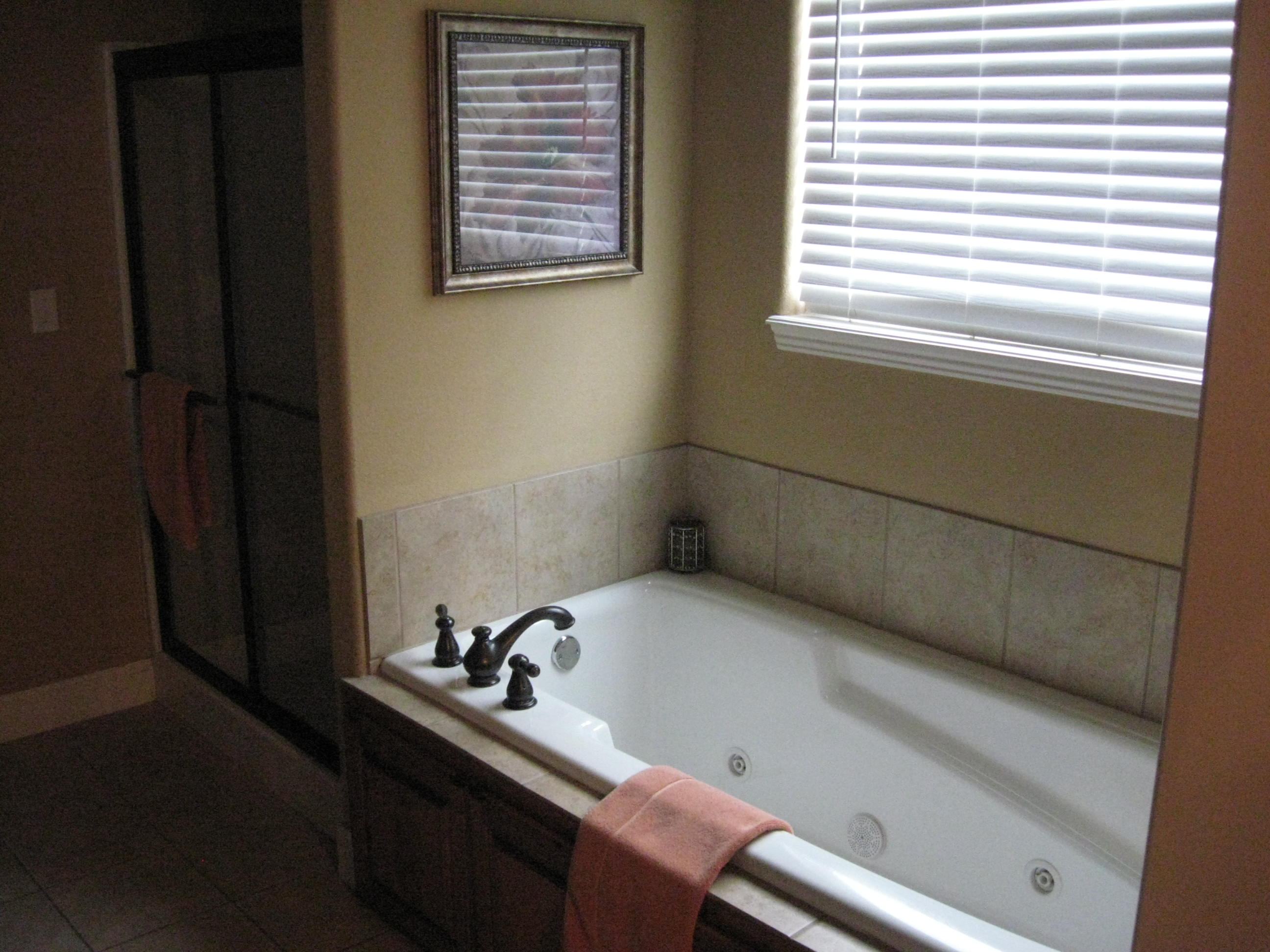 Branson Canyon Vacation Rentals Reunion Rendezvous Jacuzzi tub