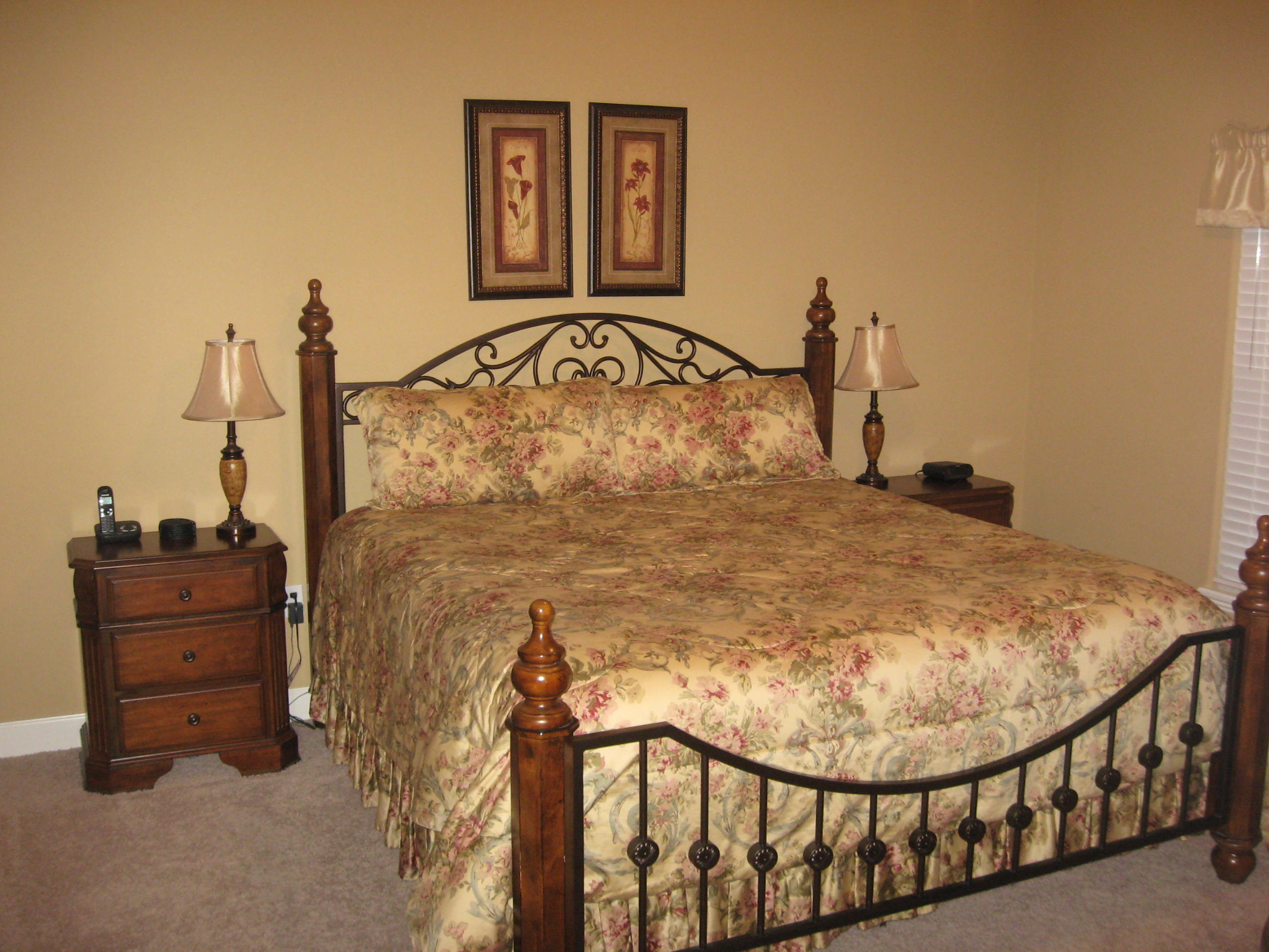 Branson Canyon Vacation Rentals Reunion Rendezvous Master bedroom